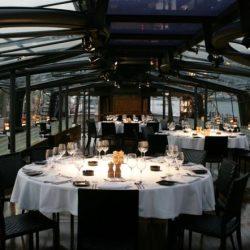 Bateaux Dubai middle lounge