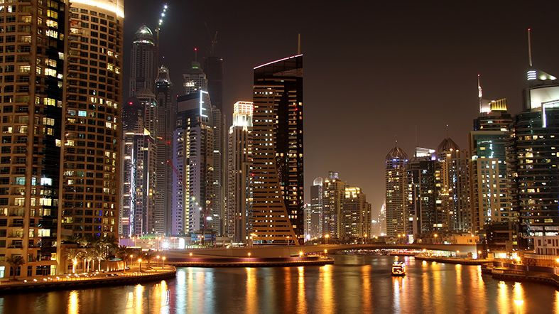 Recorre Dubai en limusina