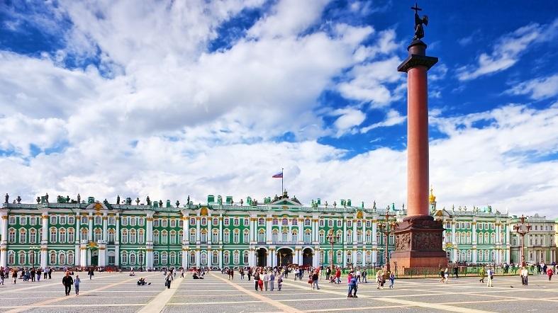 Plaza del Palacio San Petersburgo See Dubai Tours